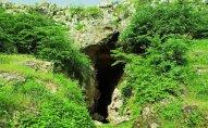 Azıx mağarasını qazanlar barəsində irəli sürülən İTTİHAMLAR
