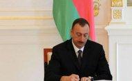 Prezident İlham Əliyev teatr xadimlərini təltif etdi