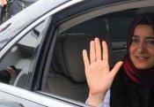 Polis türkiyəli nazirin maşınını saxladı